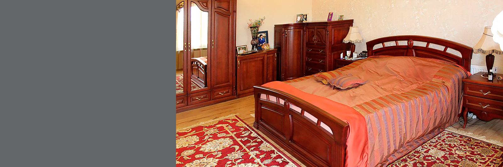Спальня по индивидуальному заказу из массива