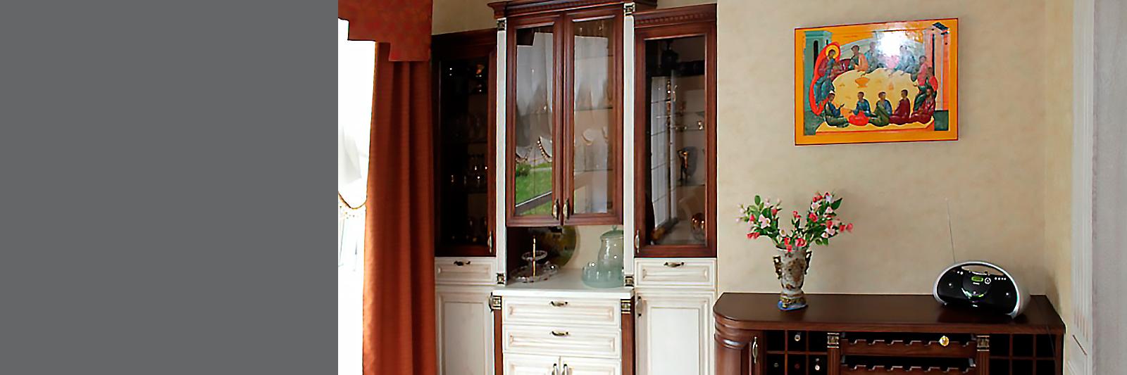 Классическая мебель для гостиной из массива под заказ