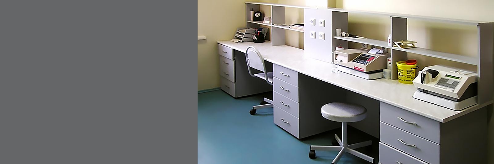 Мебель в лабораторию клиники под размер