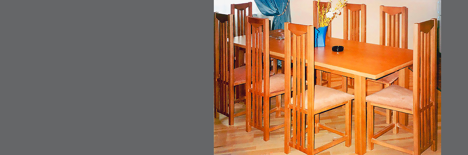 Стол и стулья для кафе по индивидуальному заказу из массива