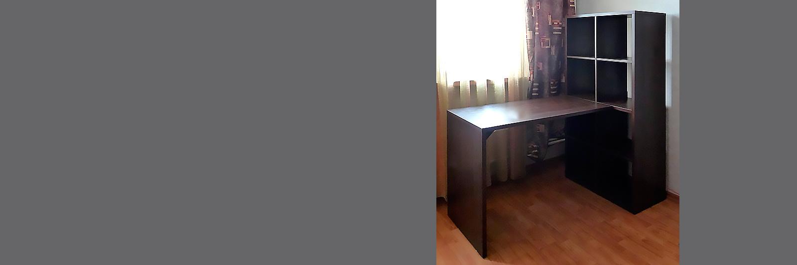 Стеллаж со столом по индивидуальному заказу