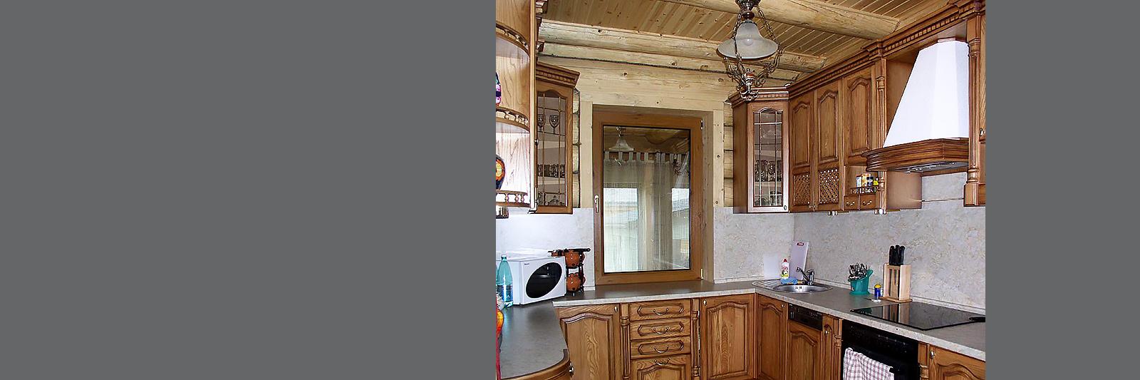 П-образная кухня для загородного дома