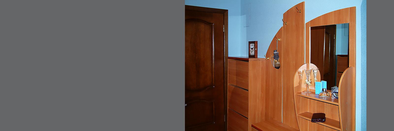 Мебель для прихожей на заказ из ламинированной ДСП