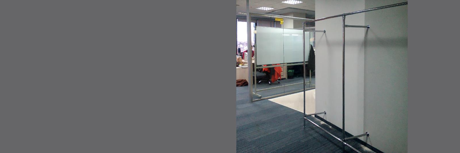 Офисная раздевалка с металлокаркасом