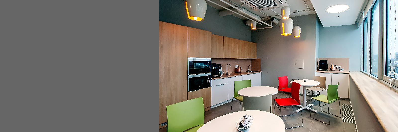 Кухня для офиса со встроенной техникой по индивидуальному проекту